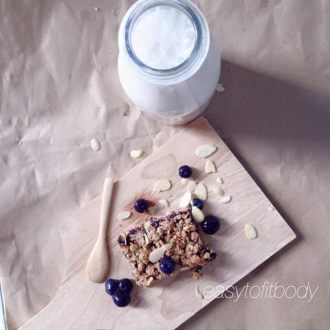 โอ๊ตบาร์บูลเบอรี่แยม (Blueberry Oatmeal Crumble Bar)